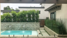 frameless glass pool fence 18