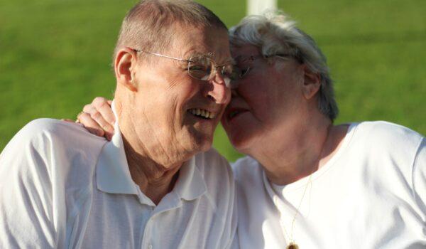 grandparents-3604134_1920